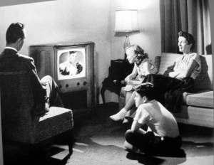 family-tv-1950s